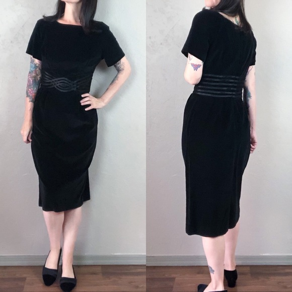 Vintage Dresses & Skirts - Vintage 1950s Black Velvet Wiggle Dress